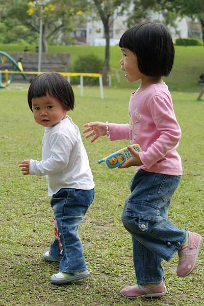 小羽球-0122奔跑的小羽球.jpg