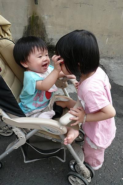 小羽球-0104姊妹好感情.jpg