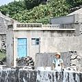 這個島上的房子 都是珊瑚當磚瓦