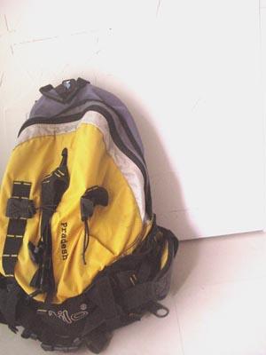 於是我背起背包了...