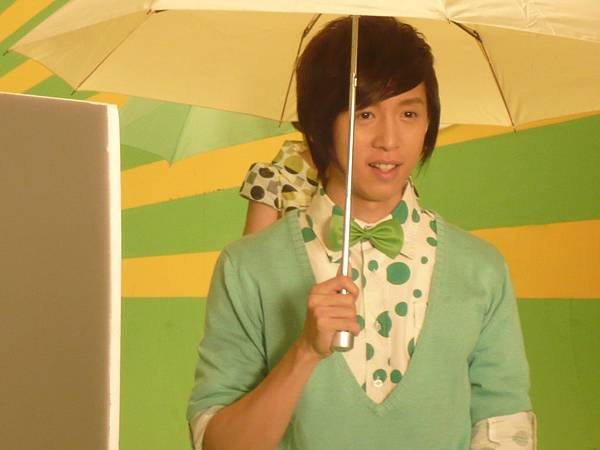 上演一隻小雨傘的戲碼