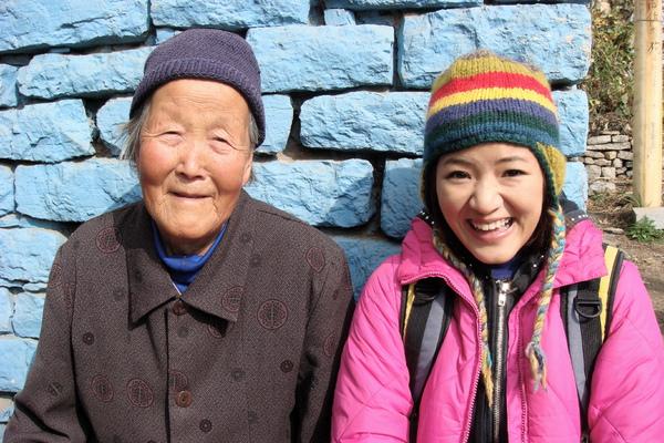 青石關村的奶奶