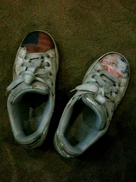 這次的鞋子 從原本乾乾淨淨到最後又犧牲了