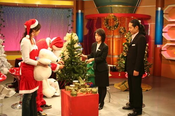 教大家如何佈置聖誕樹