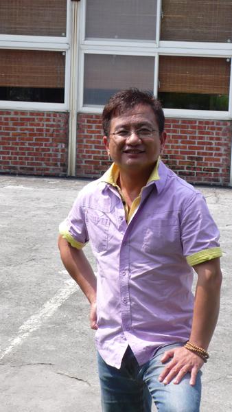 民宿共和國的主持人  江峰