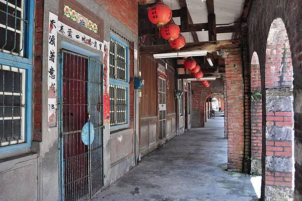 和平老街的舊屋多半已改建,但留存的少數古厝,仍給人走進時光隧道的感覺2