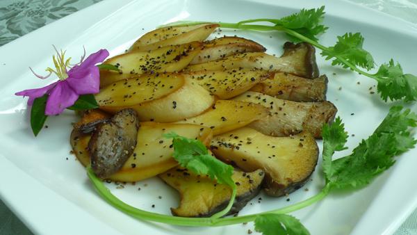 杏苞菇擺盤的很漂亮