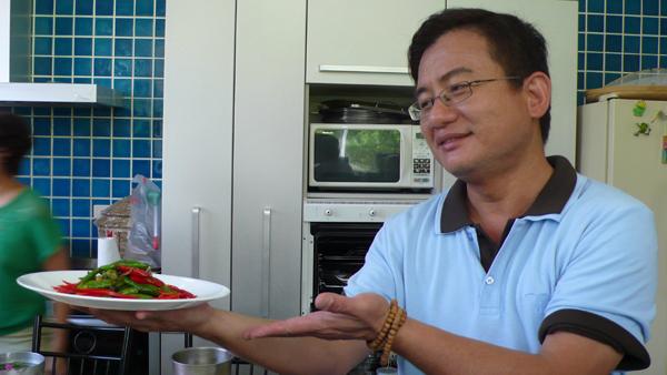 峰哥  是阿婆做的菜不是你~不要邀功啦