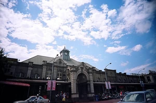 新竹車站是全台灣唯一沒有招牌的車站