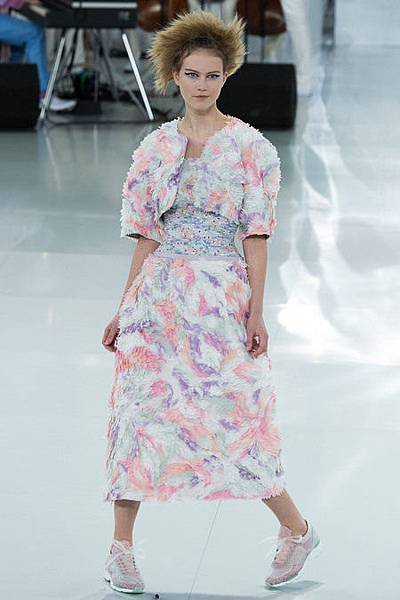 spring-2014-couture-chanel-12