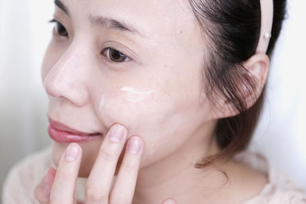 SK-II美白精華讓我的肌膚變白也變亮