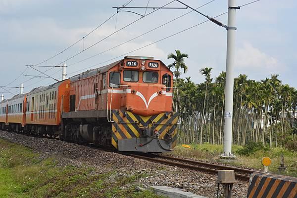 R100型柴電機車