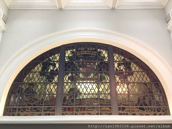 07 市政府內部美麗的窗.jpg