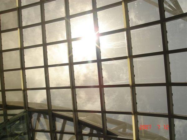 曼谷機場天花板