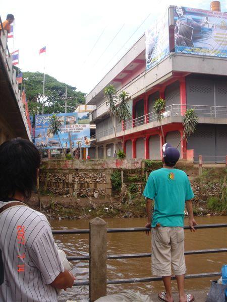 河的對岸是緬甸