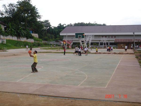 大同中學籃球場