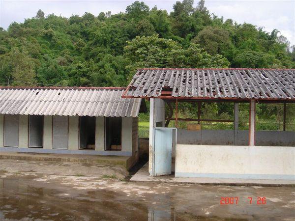 廁所與老舊教室