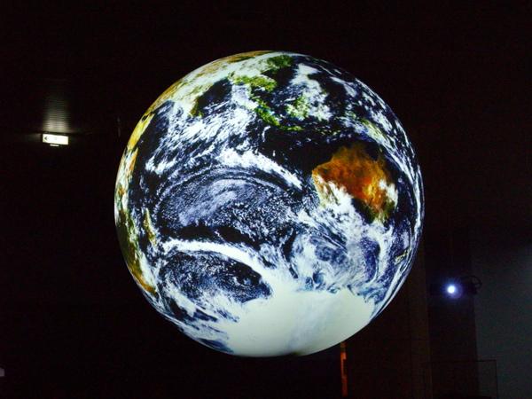 科博館地球投影