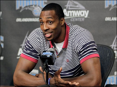 120315-dwight-howard-stays-a-year