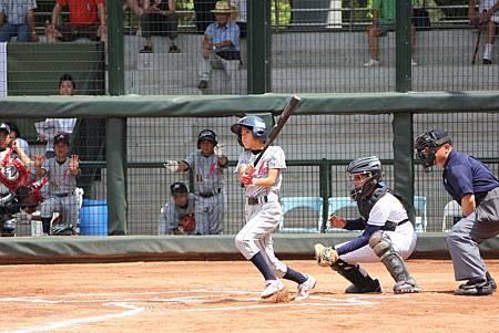 日本第1棒今井涼介4打數3安打且為球隊跑回3分,表現傑出.JPG