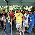 墨西哥選手抱著興奮的心情等待遊園列車.JPG