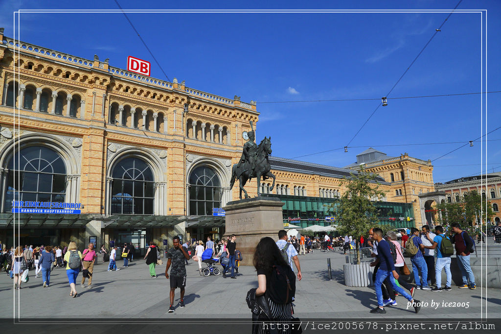 2017-Europe A_051717_0227.jpg