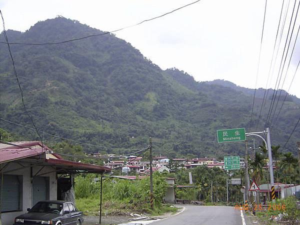 中間民權村漏拍...民生村是三民鄉最深最裡面的部落,也是台21南段的終點