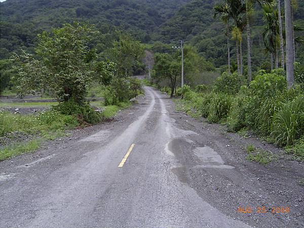 茶山產業道路路況
