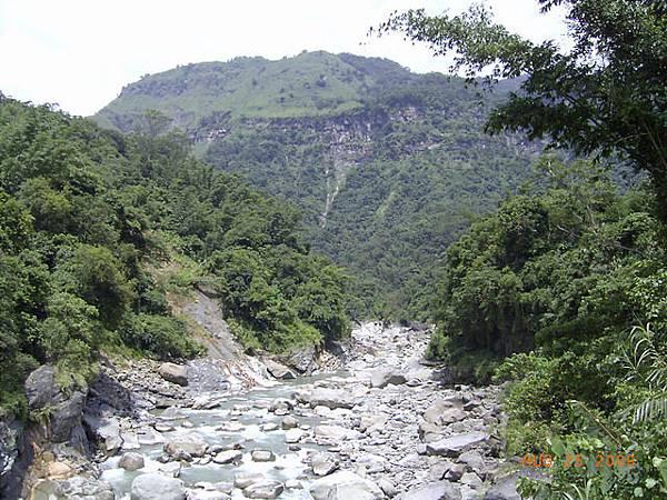 曾文溪上游,上面是達娜伊谷