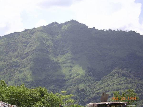 這座不知名的山一直跟著我