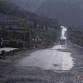 205國道破破的路面