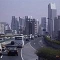 上海高架橋上,車多