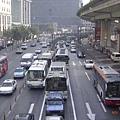 上海,和台北一樣多的公車