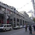 上海市街景,蓋得像台灣警察局的小區