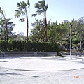 體育館旁重建的溜冰場