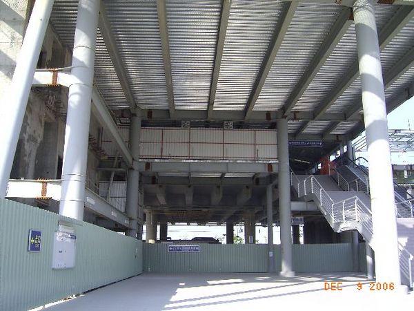 新烏日站,未完工的大廳... 吧
