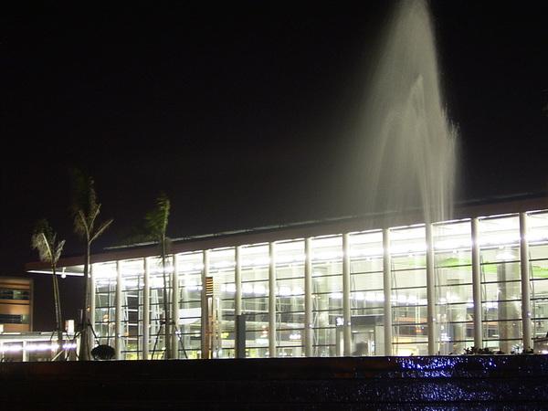 高鐵桃園站噴水池