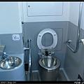 座式馬桶+洗手台