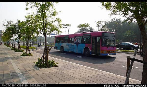 R7獅甲站外-交由東南客運行駛的機場幹線