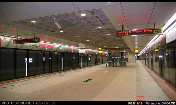 R7獅甲站-寬敞的月台層