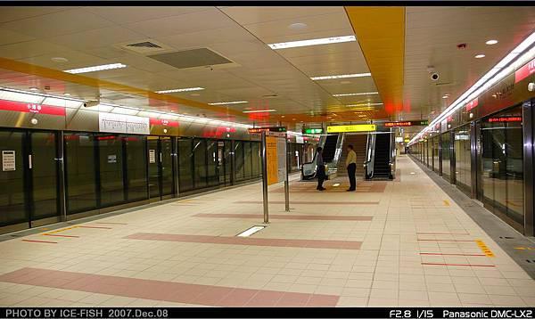 R3小港站-月台層
