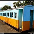 與LDR2204停放在同一月台的LTPB1375木造三等客車