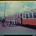 翻拍自花蓮鐵道園區的老照片,還原當年東線光華號的情景
