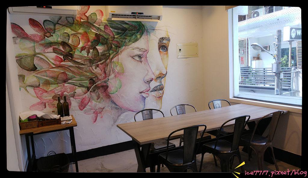 2樓壁牆畫