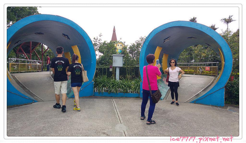猴探井前的雙隧道.jpg