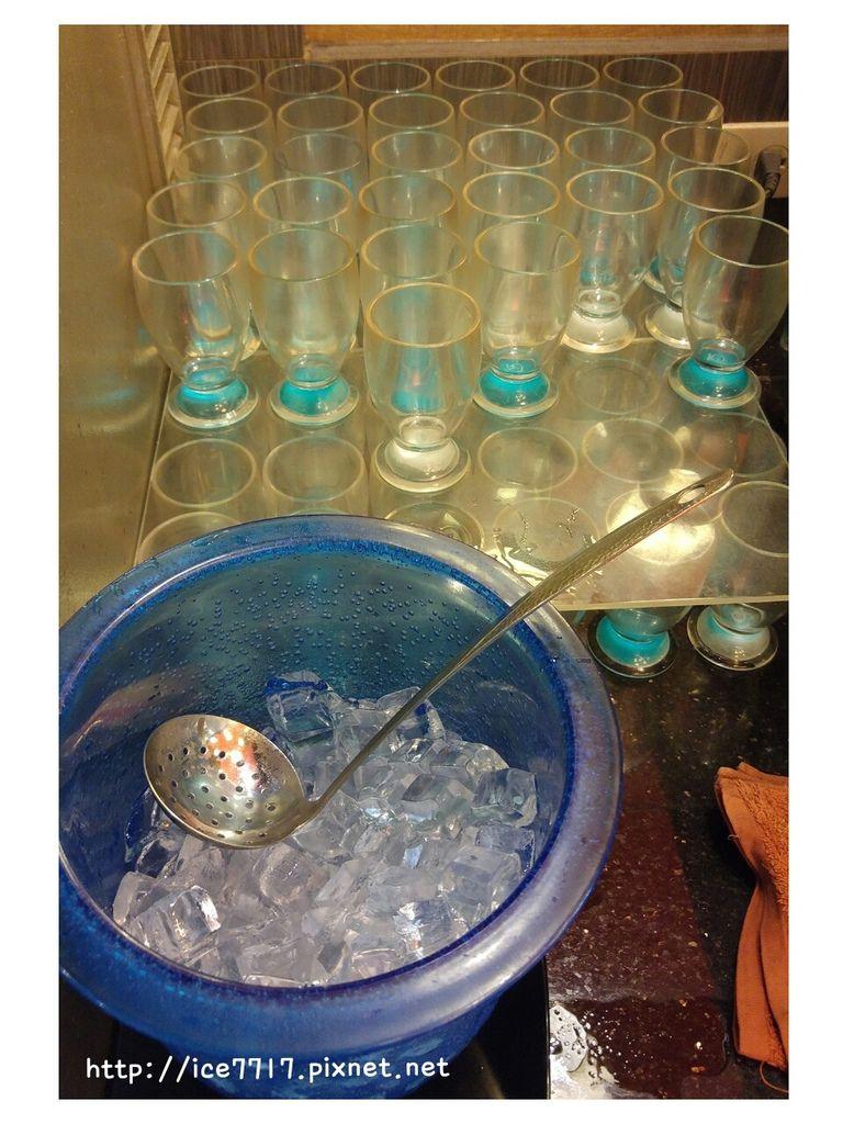 杯子、冰塊.jpg