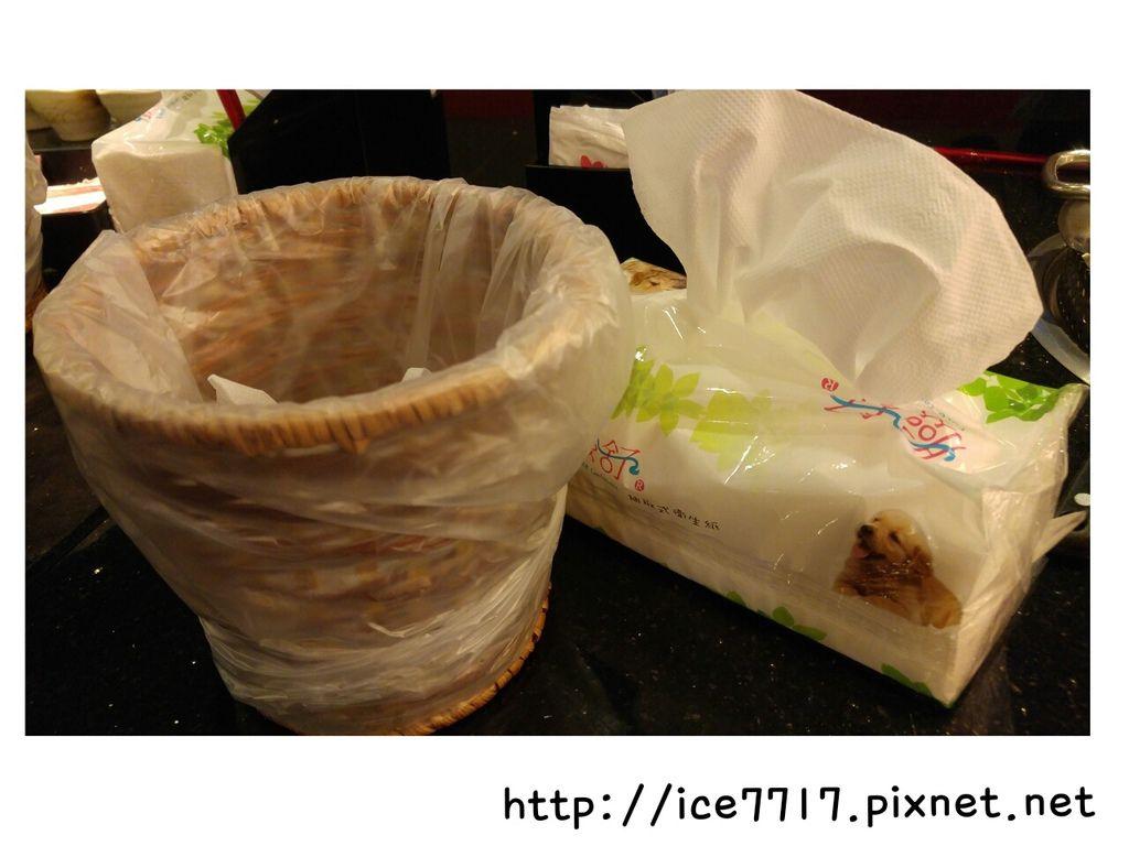 桌上垃圾桶%26;衛生紙.jpg
