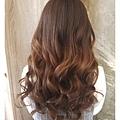ChiN靚's hair