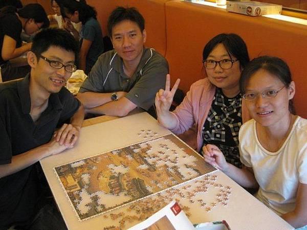 2011.07.02 1000 pcs 十二月令圖:五月 (8).jpg