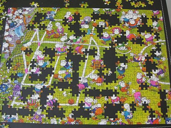 2011.11.22~24 500 pcs Crazy Football (7).JPG